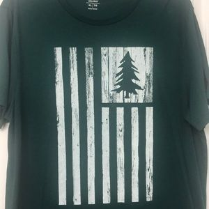 Hunter green Old Navy casual tee